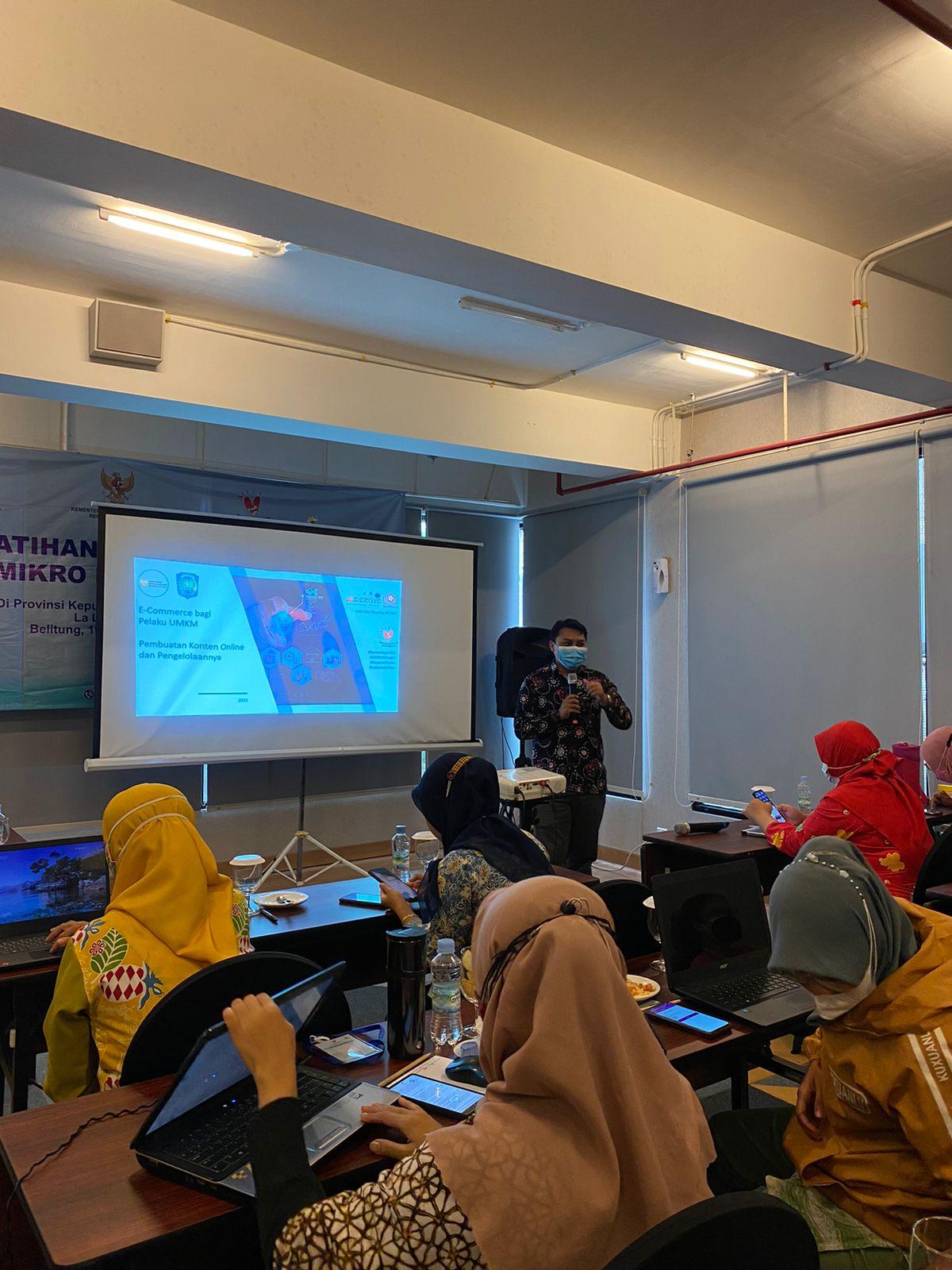 Pelatihan E-Commerce bagi Usaha Mikro di Sektor Pariwisata Kabupaten Belitung